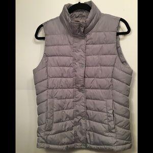 Gap puffer vest size M